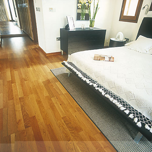 Laminate flooring laminate flooring fitters london for Laminate flooring retailers