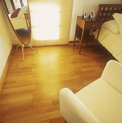 Laminate flooring laminate flooring fitters essex for Laminate flooring london